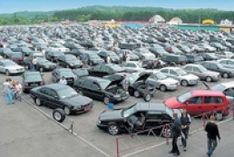 Ukrainians buy more cars