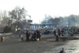 Truce in Hrushevsky Street continues