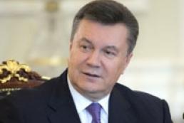 Yanukovych returns to work
