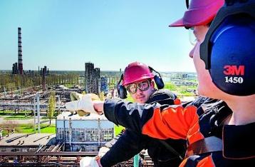 Коломойский наполовину опустошил нефтепроводы страны
