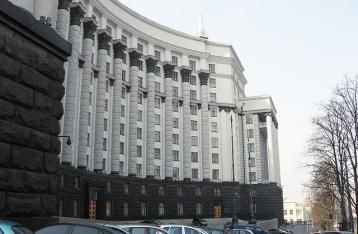 Эксперт: Кабмин Яценюка не смог стабилизировать экономику