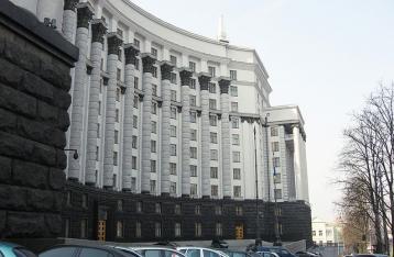 Експерт: Кабмін Яценюка не зміг стабілізувати економіку