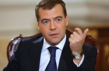 Медведев назвал неадекватным поведение Дещицы