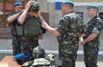 Турчинов вимагає заарештувати тих, хто призупинив закупівлю бронежилетів для армії