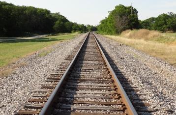 На Донецкой железной дороге подорвали два участка путей