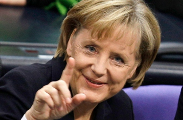 Меркель закликає українську владу розпочати переговори з членами НЗФ