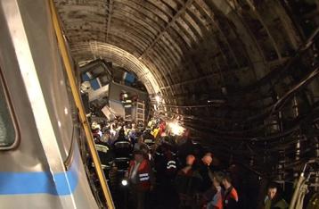 В результате ЧП в московском метро погибли 20 человек