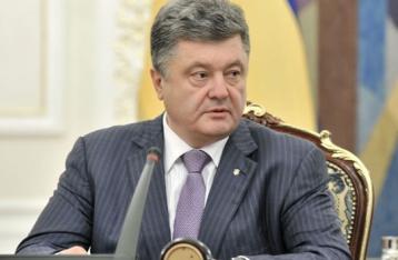 Порошенко: Представників ОБСЄ обстріляли на місці авіакатастрофи