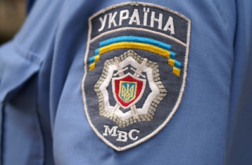 МВД будет проверять машины и личные вещи украинцев на наличие оружия