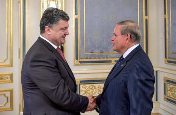 Порошенко намерен добиваться в США признания ДНР и ЛНР террористическими организациями