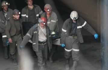 В результате взрыва на шахте в Макеевке погиб горняк, судьба еще двоих неизвестна