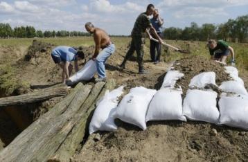 Українських студентів, фрілансерів та безробітних зобов'яжуть копати окопи