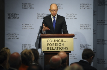 Яценюк: Украина не объявит дефолт