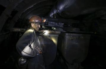 В результате боев обесточена шахта Засядько, под землей остались люди