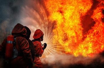 В Донецке из-за обстрелов спасатели не могут начать тушить пожары