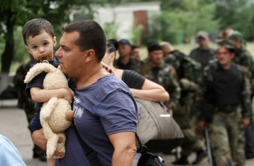 Количество внутренних переселенцев из зоны АТО превысило 455 тысяч человек
