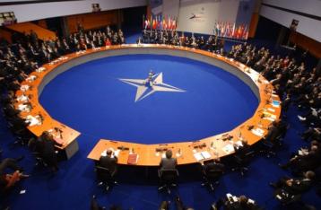 Комітет ПА НАТО закликає посилити підтримку України