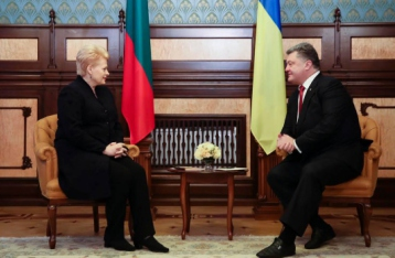 Порошенко: Рішення щодо НАТО Україна ухвалюватиме на референдумі