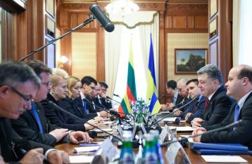 Порошенко і Грібаускайте домовилися про постачання Україні озброєнь