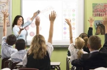 Міносвіти: Приватбанк не узгоджував з МОН проведення конкурсів у школах