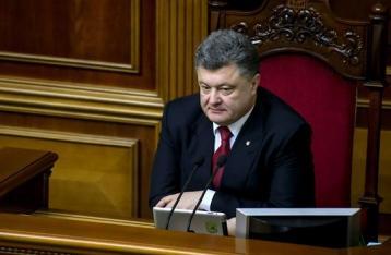 Порошенко обіцяє дати громадянство іноземцям, які воюють за Україну