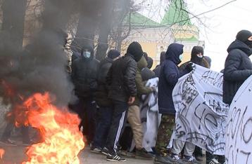 МВД: В ходе беспорядков у Винницкой ОГА пострадали восемь человек