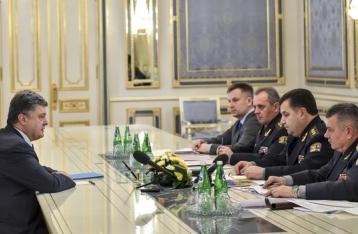 Порошенко поручил освободить всех пленных украинцев к Рождеству