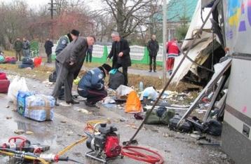 На Волыни столкнулись фура и автобус, количество погибших устанавливается