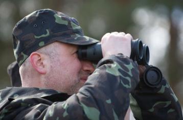 Турчинов: Через линию столкновения на Донбассе создано семь коридоров