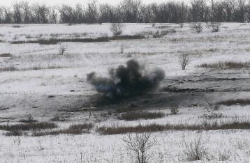 За сутки позиции сил АТО обстреляли 69 раз