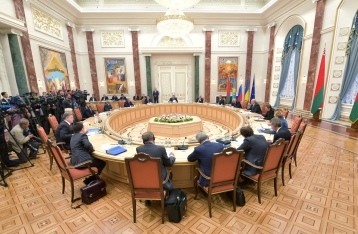 У Президента заявляют, что переговоры в Минске под угрозой срыва