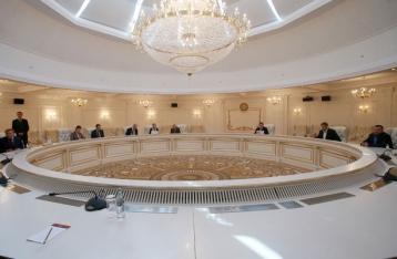 Трехсторонняя группа призывает к выполнению Минских договоренностей