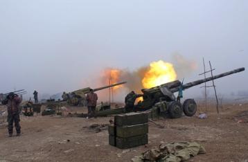 Лысенко: Украинские военные из-за обстрелов не могут отвести тяжелое вооружение