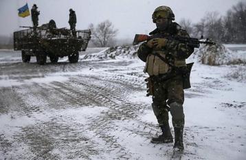 Штаб: На окраинах Дебальцево идут бои, украинские военные держат позиции