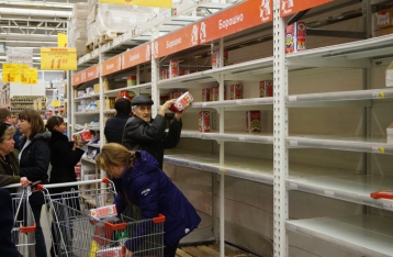 Психолог объяснил причины продуктовой паники