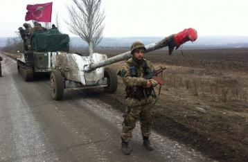 Порошенко: Военные в любой момент могут вернуть вооружение на прежние рубежи