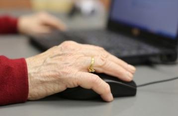 Рада снизила пенсии работающим пенсионерам