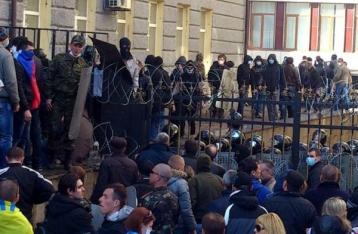 Годовщина захвата Донецкой ОГА: запугивания и 300 гривен за штурм