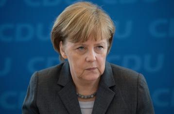 Меркель не исключает новых санкций протии в РФ