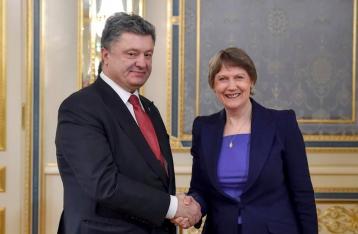 Порошенко попросил замгенсека ООН активизировать работу по миротворцам