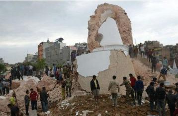 Землетрясение в Непале забрало жизни более тысячи человек