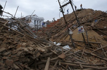 Число жертв землетрясения в Непале превысило 4300 человек