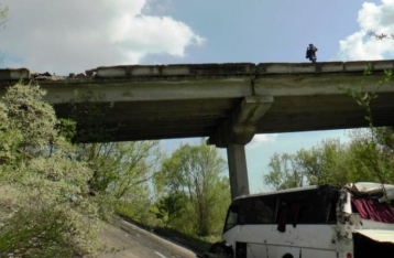 На Кировоградщине автобус упал с моста: трое погибших, 11 – травмированы