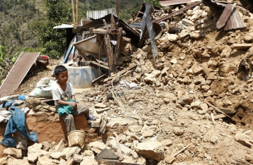 Жертвами землетрясения в Непале стали уже 7,5 тысячи человек