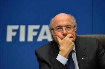 Блаттер решил подать в отставку с поста президента ФИФА