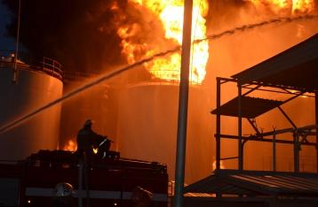 При пожаре на нефтебазе под Васильковом погиб еще один человек