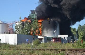 Аваков сообщает о трех погибших пожарных на нефтебазе