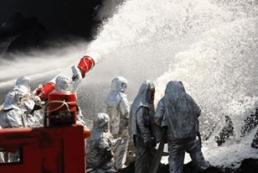 На нефтебазе под Васильковом возобновился пожар