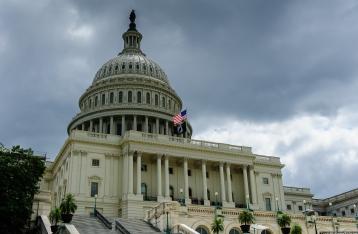 Сенат США одобрил выделение военной помощи Украине