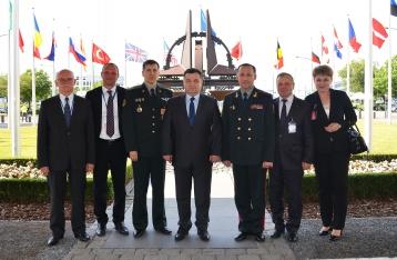 Полторак надеется, что НАТО поможет летальным оружием